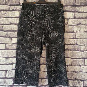 Chico's Size L/12 Black & White Crop Pants